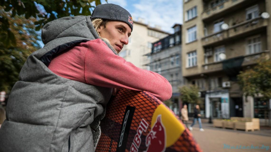 Млад сърфист e вторият българин в отбора на Red Bull