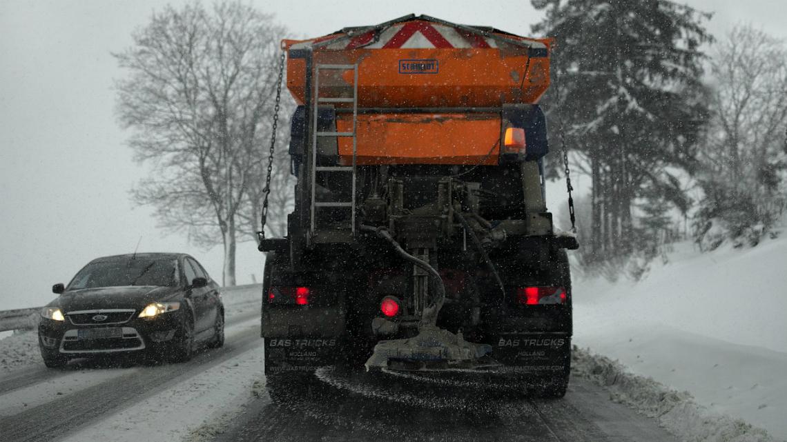 За неопитните зад волана: как да се справим със страха от зимното шофиране?