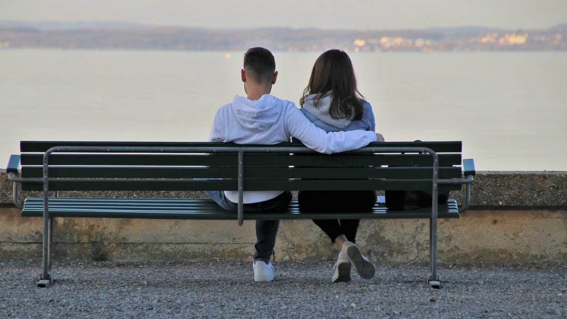 Как да се държите с жена на първа среща?