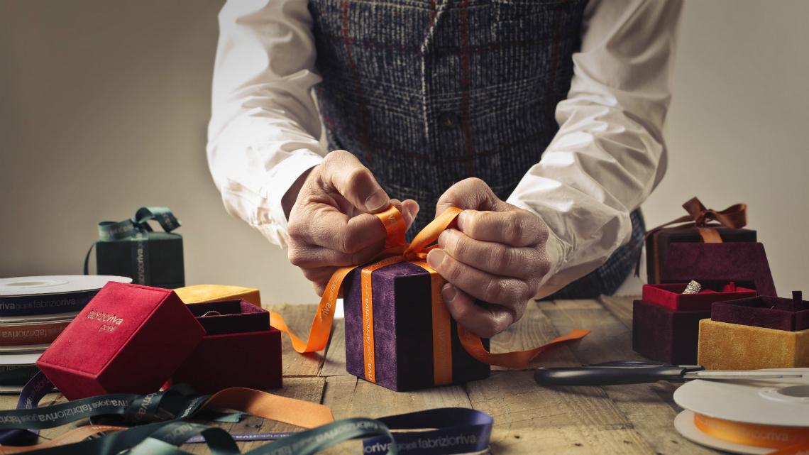 Как да изберем оригинален подарък за мъж?