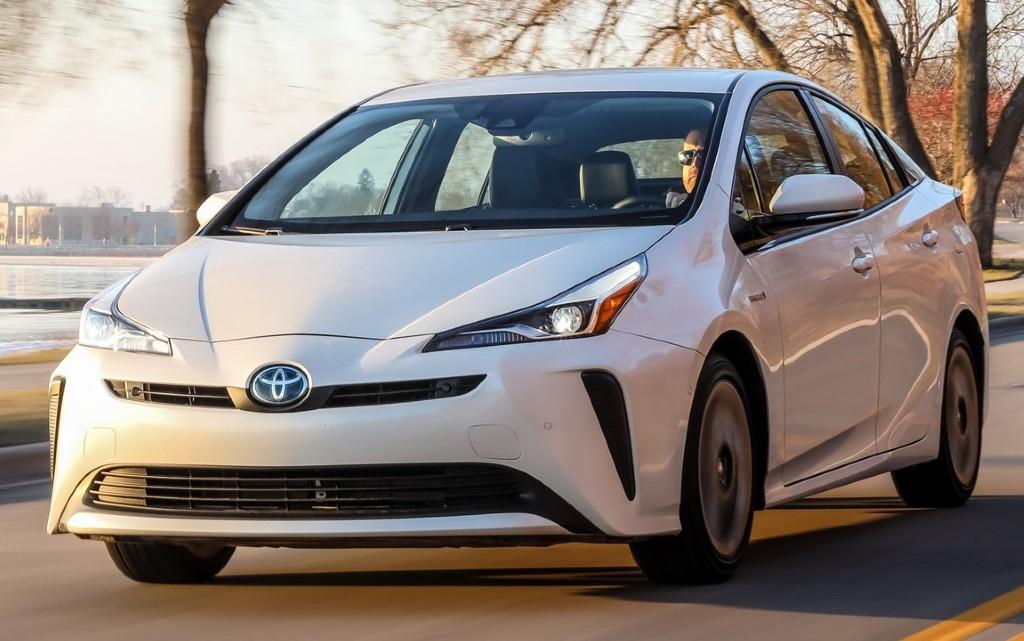Богати и скромни: какви коли карат милиардерите по света?