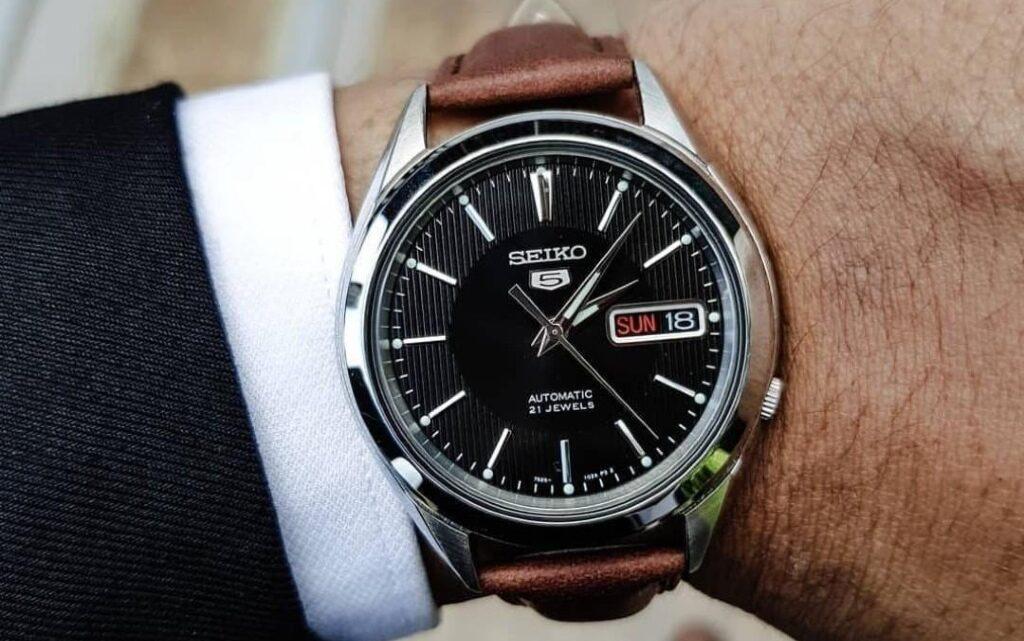 Три марки часовници, които си заслужават парите