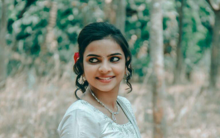 Млад индиец продаде жена си за нов смартфон